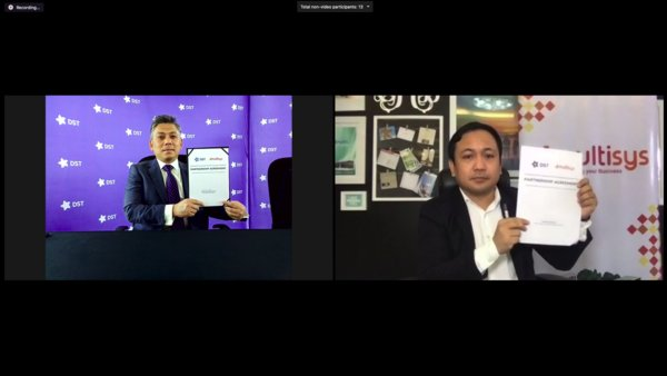 On the Right: Radin Sufri Radin Basiuni, CEO of Datastream Digital Sdn Bhd (DST) and on the Left: David Almirol Jr., CEO & President of MultiSys Technologies Corporation (MultiSys)