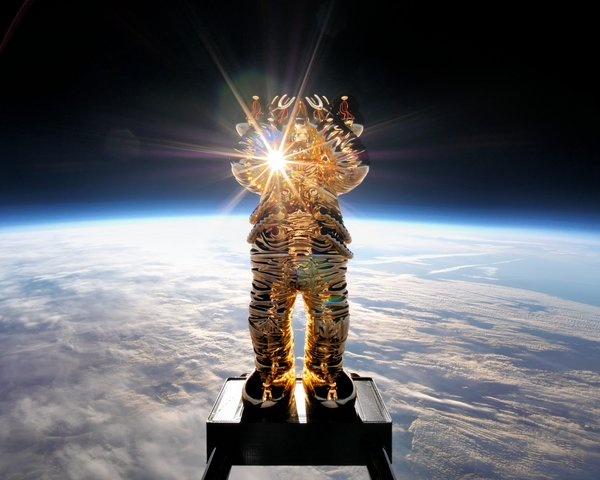 For its fifth stop, KAWS:HOLIDAY travels to space! KAWS in collaboration with AllRightsReserved presents KAWS:HOLIDAY SPACE. COMPANION dons an astronaut suit and takes a sounding balloon 41.5 kilometers (136,296 feet) up into the Stratosphere. It was recorded with a 360-degree panoramic video camera, capturing COMPANION's historical moment and marking his 20th year in existence. Audiences from around the world can now escape with COMPANION.