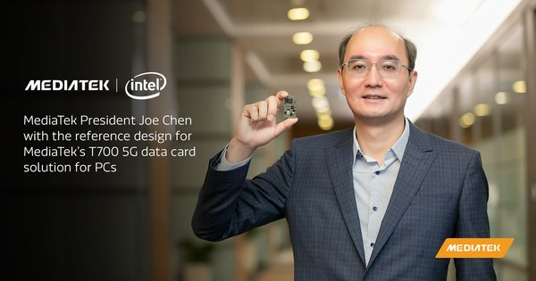 MediaTek President Joe Chen with the reference design for MediaTek's T700 5G data card solution for PCs.
