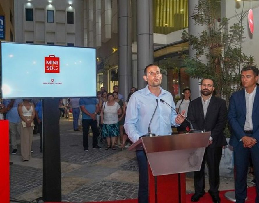The Prime Minister of Malta commends expansion of MINISO during the pandemic