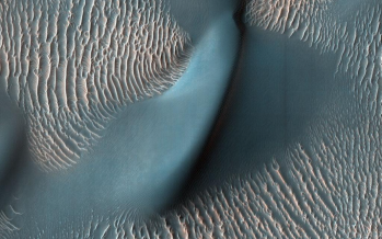 NASA shares stunning pictures of Mars