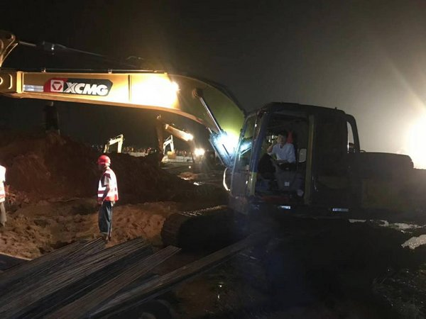 XCMG Contributes Excavators to Flood Relief Initiatives across China.