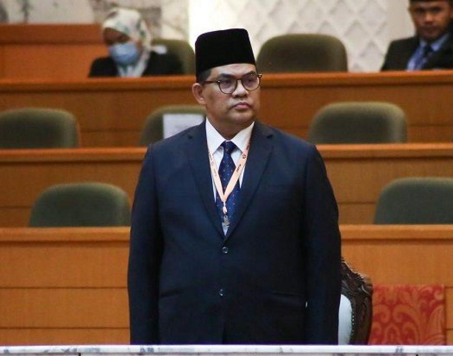 Jefridin Atan sworn in as senator