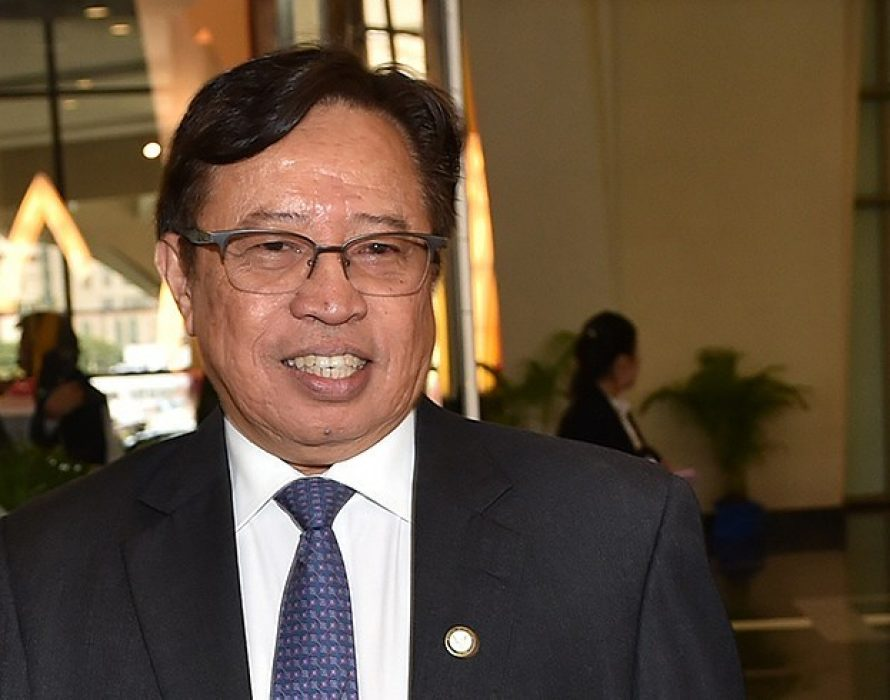 Considering Sarawak to be parochial won't help in unification of country – Abang Johari