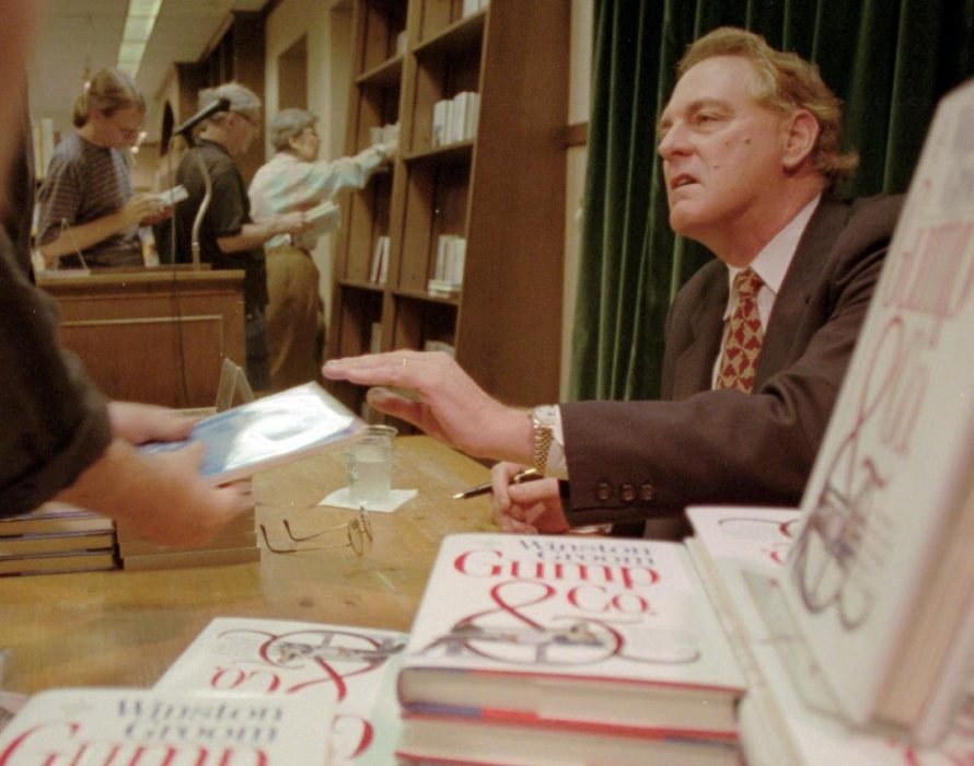 Author of 'Forrest Gump' novel dies at age of 77 — Mayor of Fairhope city