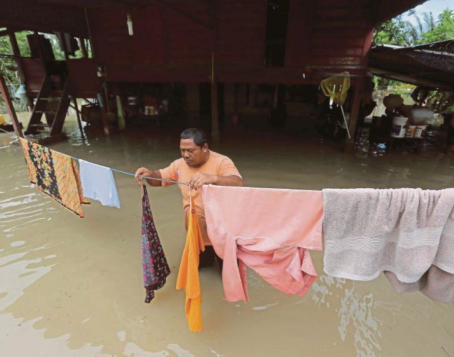 92 Kerian District flood victims still at two relief centres