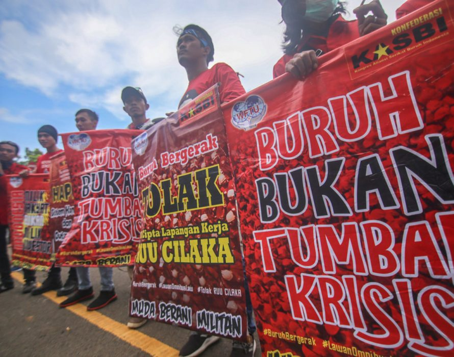 More demonstrations in Jakarta, total COVID-19 cases in Indonesia now 340,622