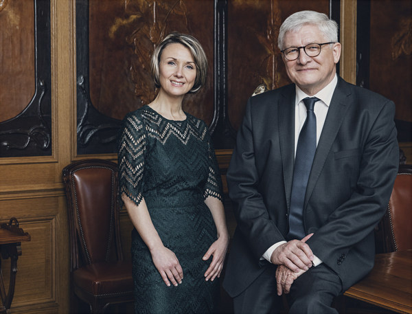 Accompanied by Hervé Deschamps, Séverine Frerson officially becomes Perrier-Jouët's 8th Cellar Master during the induction ceremony
