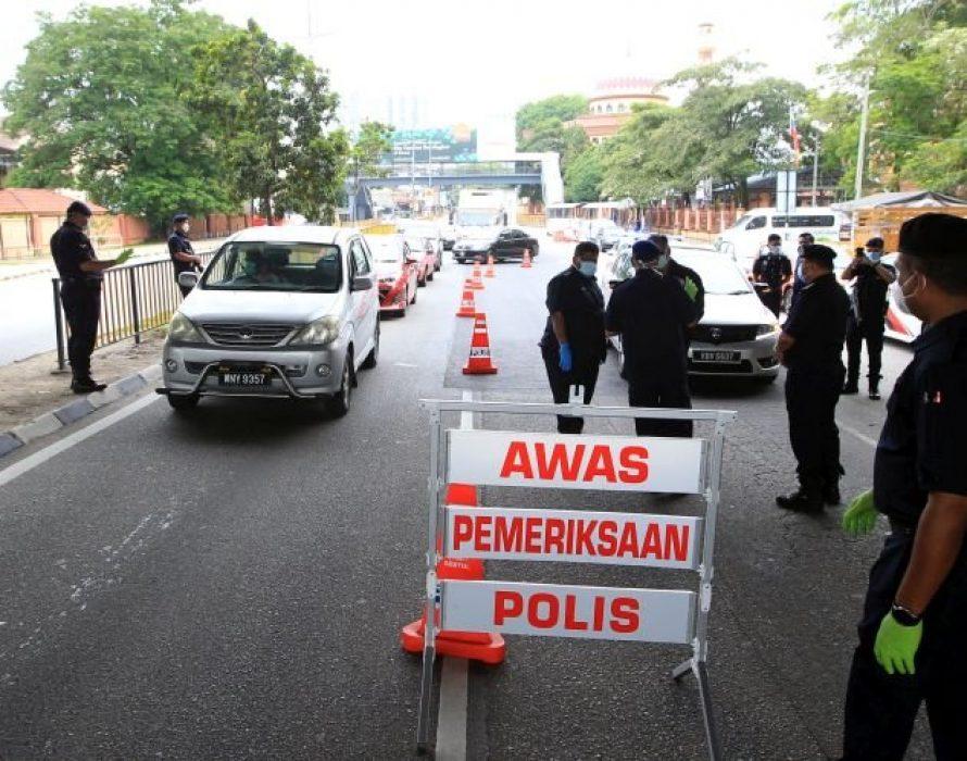 Sabah police set up 50 roadblocks to enforce MCO