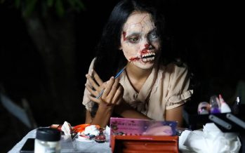 Thai woman dresses up as zombie to sell clothes of dead people online