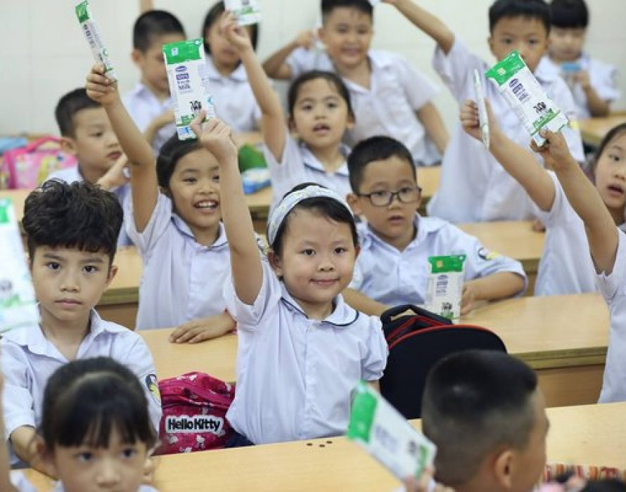 Vinamilk Celebrates 14 Years Benefiting Vietnamese Children with School Milk Program