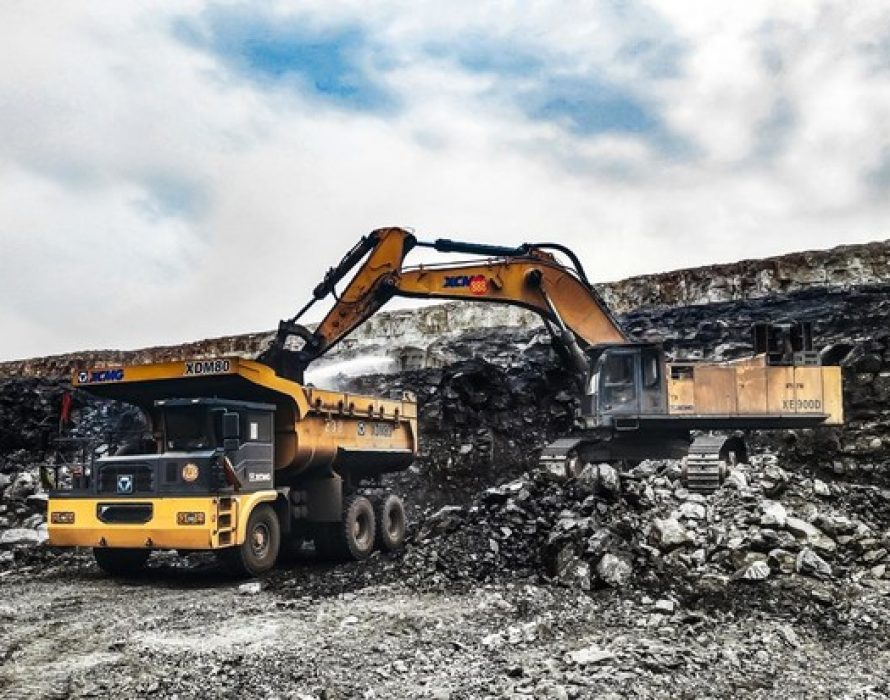 XCMG Delivers Customized Mining Graders to Rio Tinto, Driving Growth in High-end Markets