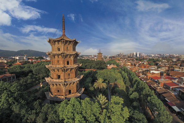 Twin Stone Pagodas at Kaiyuan Temple in Quanzhou of Fujian Province