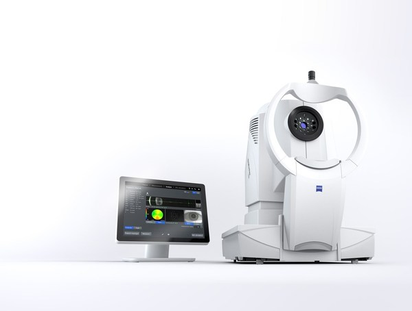 ZEISS IOLMaster 700 with Central Topography and analysis screen.