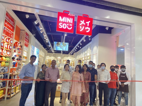 Agent Mr. Abhishek with MINISO managers in Shubhash nagar MINISO store