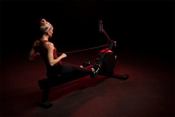 Life Fitness Heat Performance Row