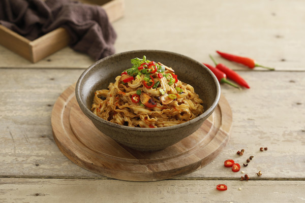 Mom's Dry Noodle - Spicy Noodles.