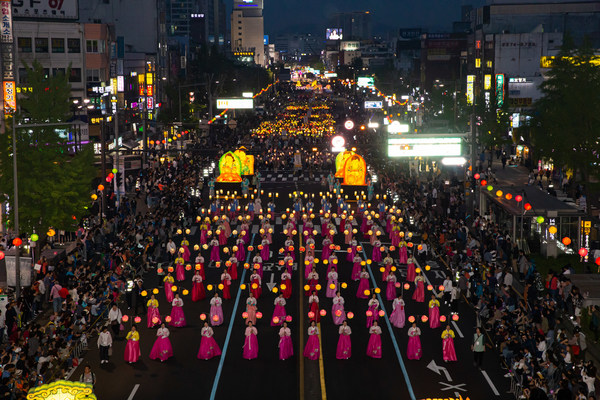 Leading Traditional Lanterns of Lanterns Parade