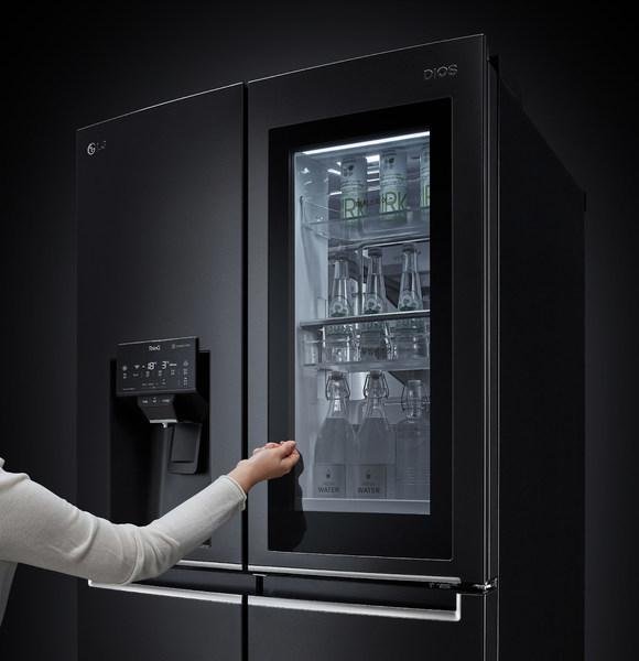 InstaView® Door-in-Door® panel of InstaView® Door-in-Door® Refrigerator