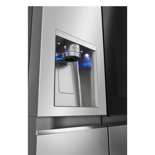 Water Dispenser with UVnano™ of Seamless InstaView® Door-in-Door® Refrigerator