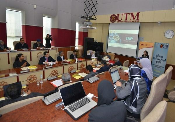 Industry Advisory Panel regular meeting with UTM team.