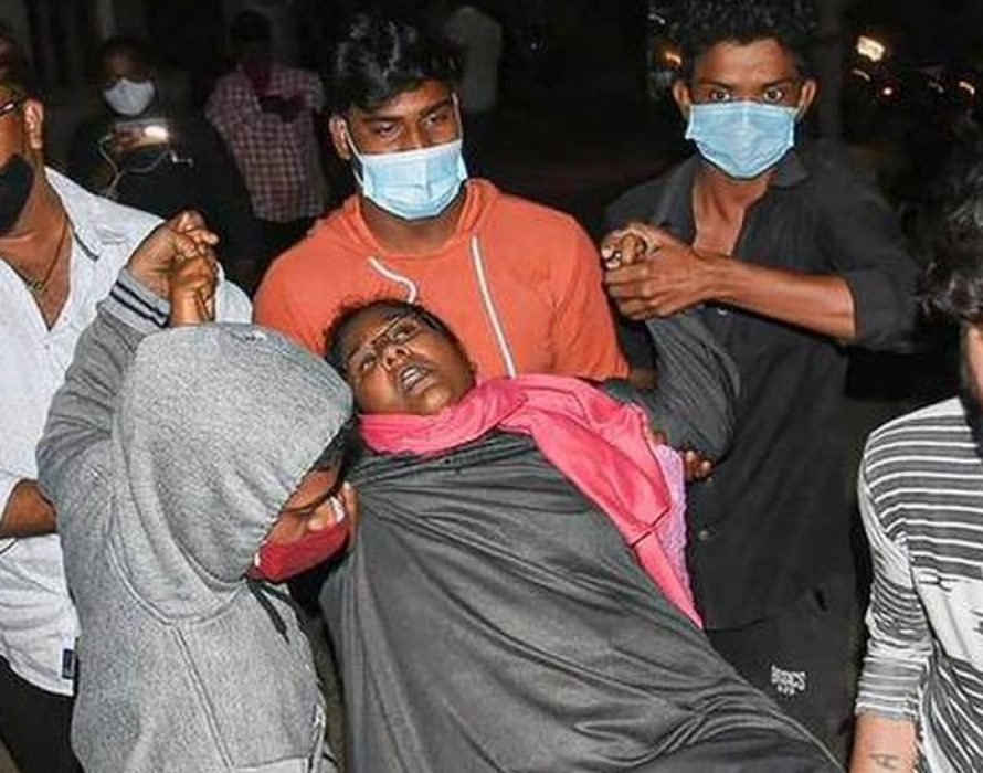 Hundreds rushed to hospital in India, one dead from unknown illness