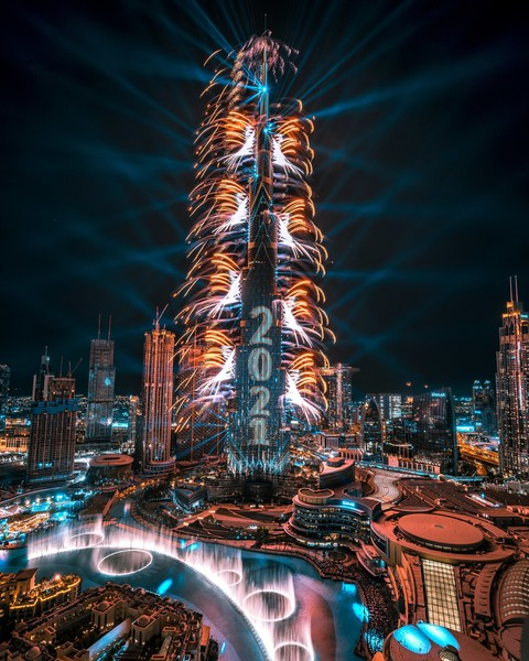 Emaar celebrated New Year's Eve in Dubai with a spectacular fireworks, animation, laser and light to ring in 2021. The dazzling display celebrated the theme of 'togetherness', the UAE's success and achievements, and paid tribute to the frontline heroes of 2020. In an Emaar first, the Burj Khalifa shared New Year's Eve celebrations from around the world and invited global audiences to join virtually through a partnership with Zoom and live streams on YouTube and other social media channels.