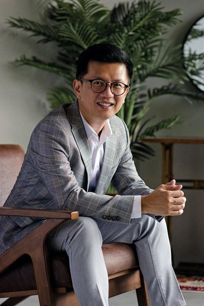 Picture: Dr Ivan Puah, Medical Director at Amaris B. Clinic, gynecomastia and liposuction doctor in Singapore