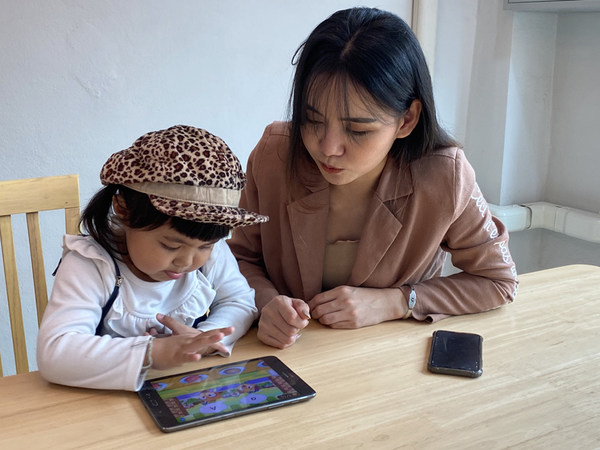 Monkey Stories is the optimal solution for Indonesian parents with children aged 2-10, which helps their children learn English at home and comprehensively develop 4 skills of Listening - Speaking - Reading - Writing.
