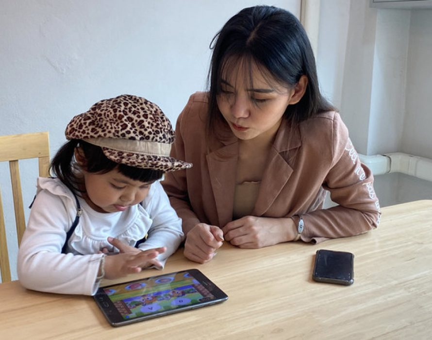 English learning at home trend with Monkey Stories app in Thailand