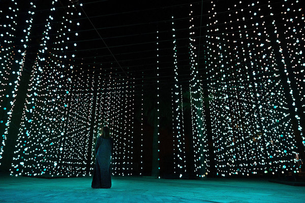 """Squidsoup"" - Submergence, 2013-2021 - Electronics, LEDs, computers, support structure - 768 x 1033 x 447 cm - Courtesy of the artists and Light Art Collection - Photo © Riyadh Art 2021"