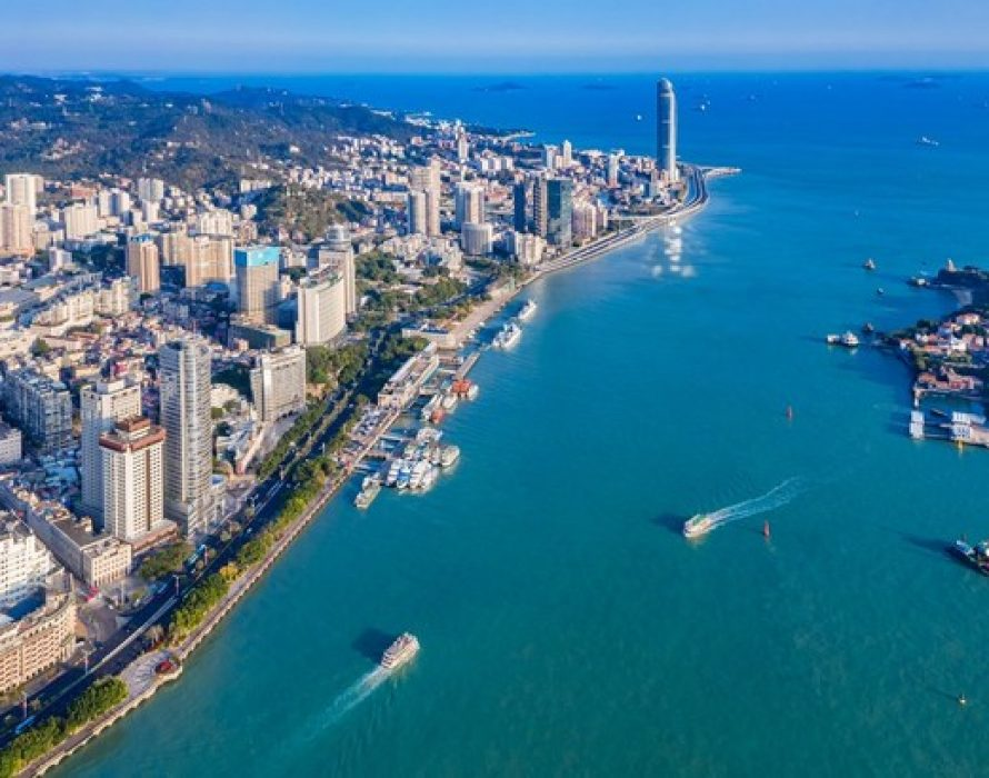 Xiamen leads the way in safeguarding lush mountains, lucid waters