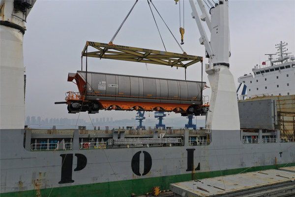 CRRC Sent off the Third Batch of GWA Vehicles to Australia as Part of a Total of 338 Coal Hopper Cars Delivery in a Year.