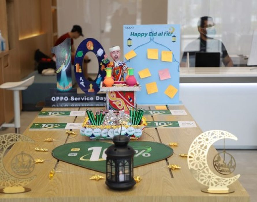 Sharing happiness and wishes, OPPO celebrates Eid al-Fitr with customers at its service centers.