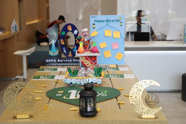 Sharing happiness and wishes, OPPO celebrates Eid al-Fitr with customers at its service centers