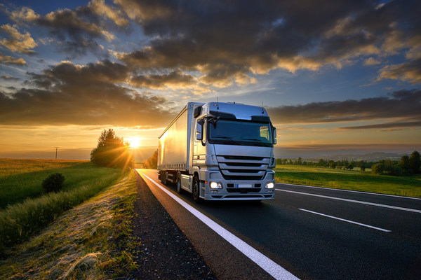 Frost_and_Sullivan_Truck