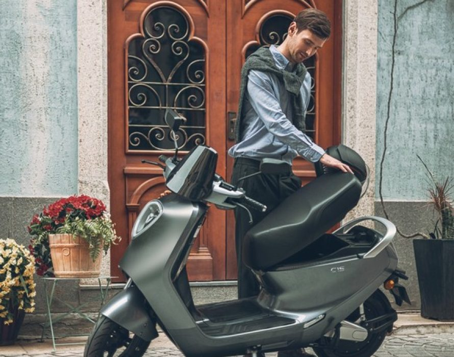 Electrify Your Summer: Yadea Powers Green Travel This Season with the Chic C1S Electric Motorcycle