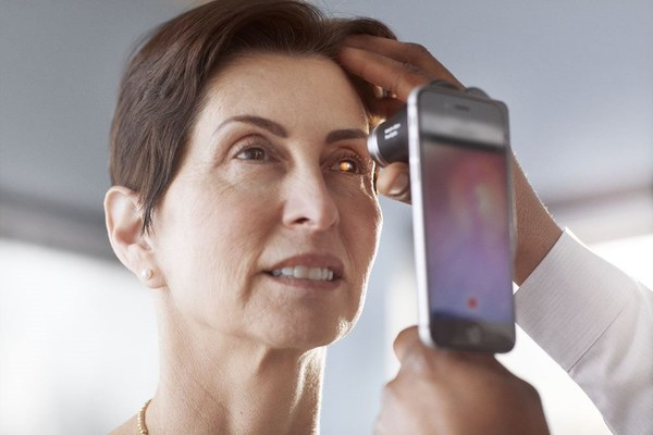 Digital image capture with the PanOptic Plus Ophthalmoscope