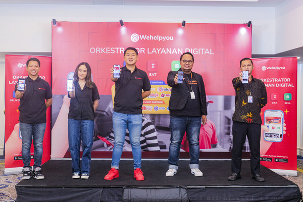 Wehelpyou Press Conference Digital Orchestrator - June 4th 2021. Left to right: Ryo Limijaya, Chief Commercial Wehelpyou; Almiranti Fira, Online Business Owner; Muhamad Noor Sutrisno, CEO & Founder Wehelpyou; Andreas Sugian, Head of Business Development Lalamove; Rudi Cahyadi, Marketing Communication Manager TIKI.