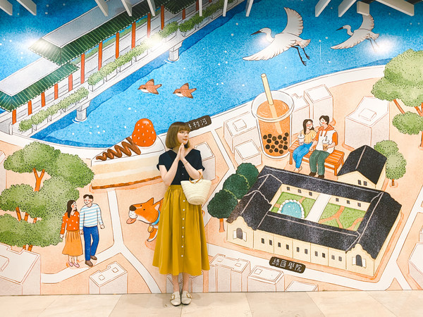 Bliss overload in Tai Wo Plaza in its first collaboration with local illustrator Carmen Ng, who translates the joyous life in Tai Po into colourful watercolour paintings.