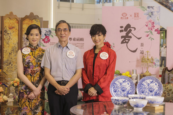 """Temple Mall joins Hong Kong's last-remaining painted porcelain factory, Yuet Tung China Works, in presenting """"The Colours of Guangcai"""" campaign, where a third-generation Guangcai artisan will put a colourful spin on Hong Kong's Wong Tai Sin community"""