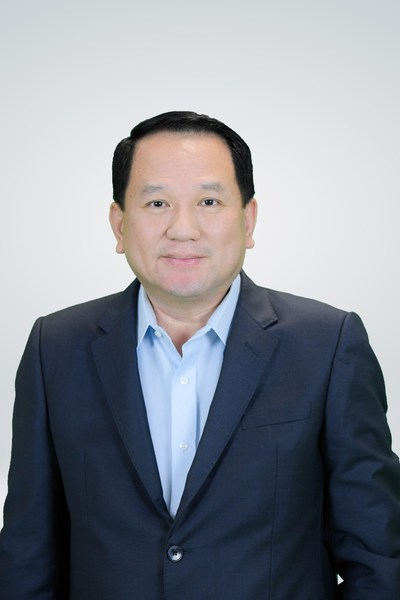 Mr. Prasert Taewdulyasathit, Chief Executive Officer Real Estate Business Division, Ananda Development Public Company Limited