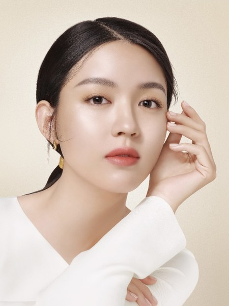 N.1 Chinese luxury beauty brand YUESAI announces the first ever global brand ambassador Zilin ZHANG