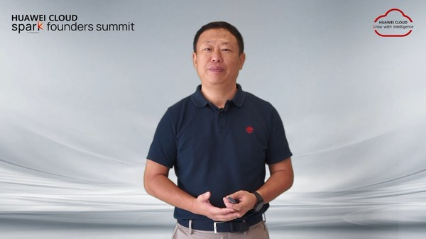 Jeffery Liu, President of Huawei Asia Pacific, making keynote speech at the Spark Founders Summit.