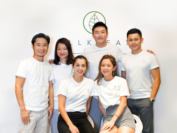 (Back Row From Left) Jeffrey Ng, Chief Growth Officer; Maggie Lai, Chief Financial Officer; Daniel Chu, Business Development Director; Angus Au, Chief Marketing Officer; (Front Row From Left) Lisa-Marie Tse, Chief Brand Officer; Poyi Lau, Spokesperson
