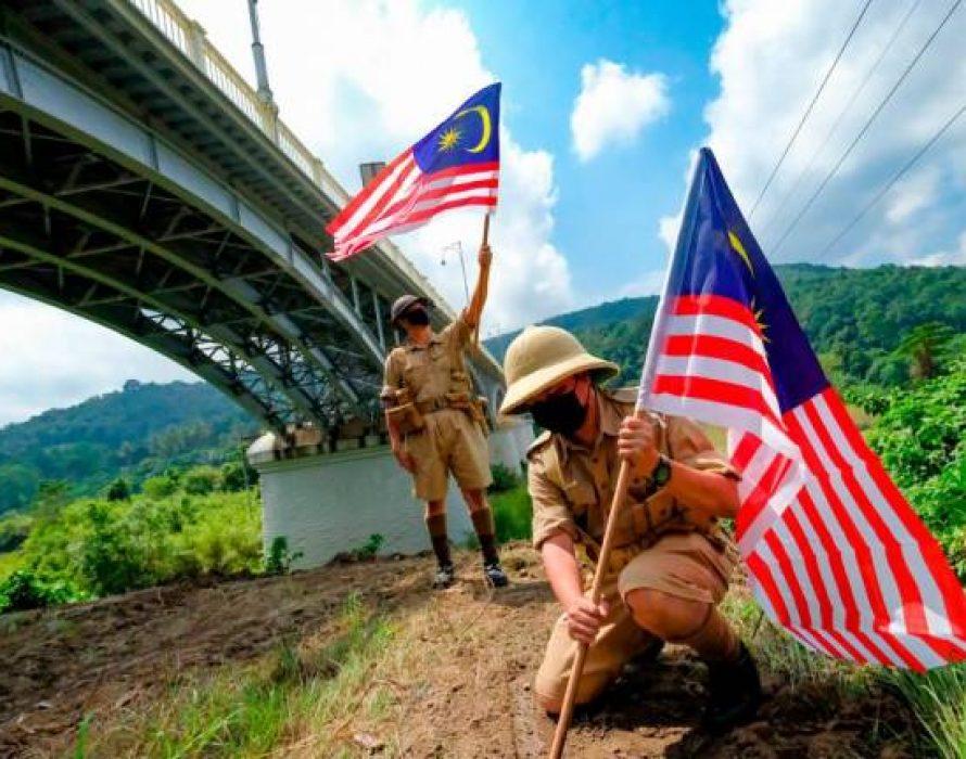 Sultan Iskandar bridge bombing, battle of Slim River immortalised on information signboards