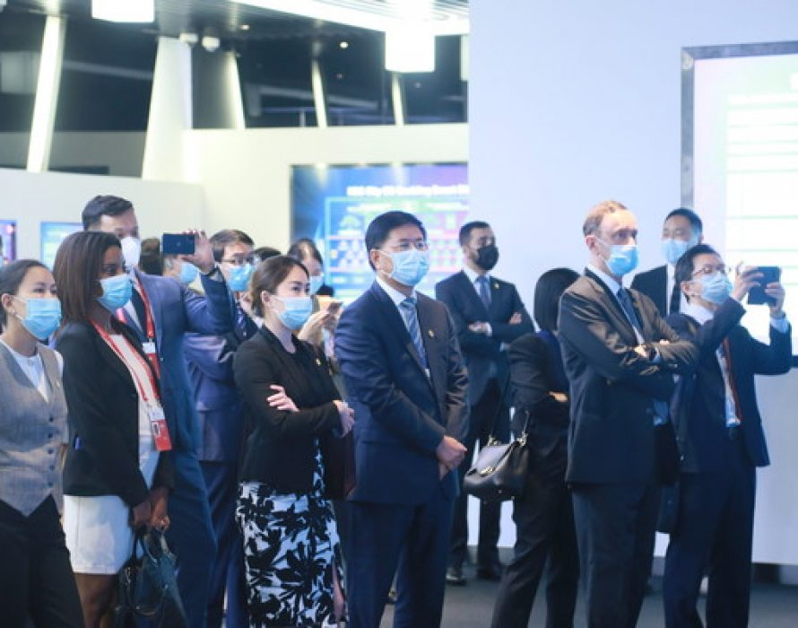 Ambassadors from Over 20 Countries Visited H3C Group to Discover the Innovation Power Supporting High-quality Development