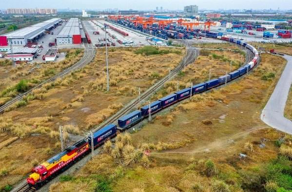 A China-Europe (Chengdu) Railway Express freight train departs Chengdu International Railway Port for Europe.