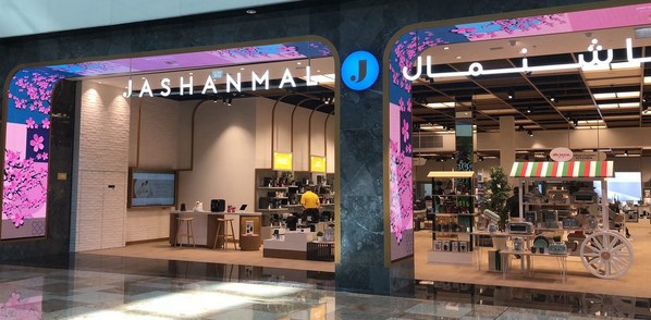 Leading Middle East retailer attracts more customers with Hikvision innovative LED and LCD displays