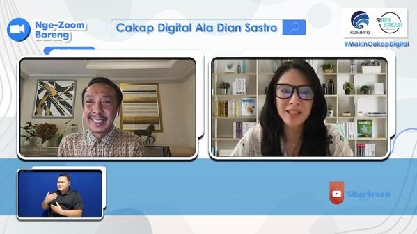 One of the Siberkreasi's webinars involving public figures Dian Sastrowardoyo and Iwan Setyawan, which was held on August 27th 2021.